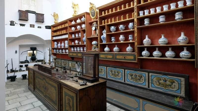 Dubrovnik gezilecek yerler Fransisken Manastırı