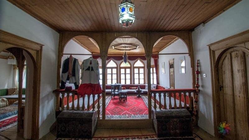 Mostar gezilecek yerler Müslüm Bey Konağı