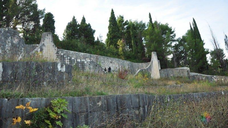 Mostar gezilecek yerler Partizan Abidesi