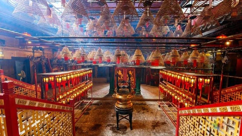 hong kong gezilecek yerler Man Mo Temple