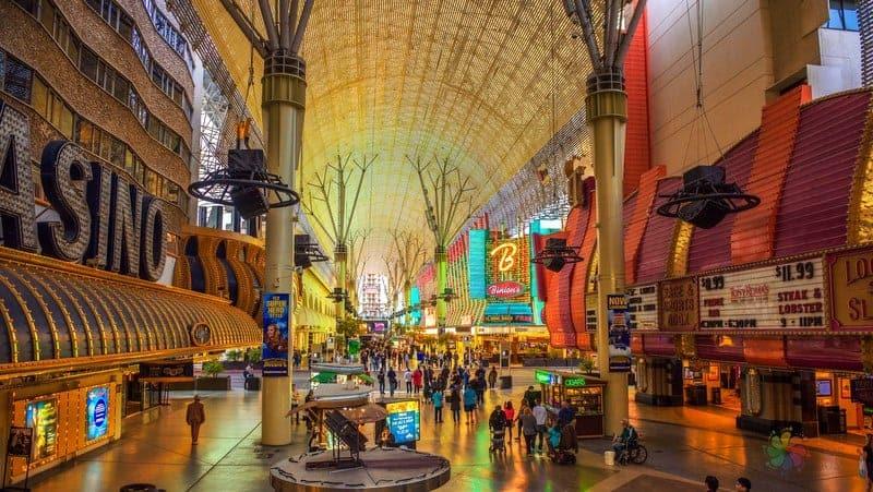 Las Vegas turu Fremont Street Experience