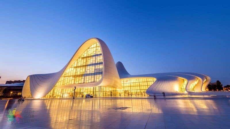 Bakü Haydar Aliyev Kültür Merkezi