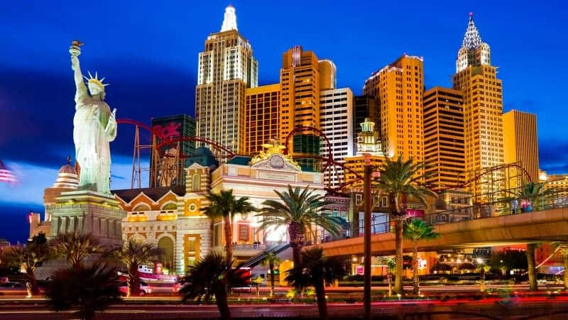 Las Vegas gezi rehberi New York New York Hotel