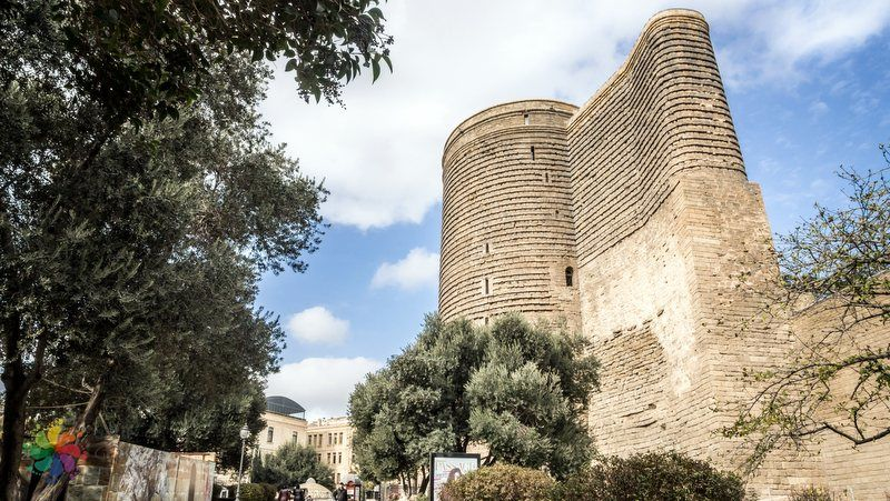Bakü görülecek yerler Kız Kulesi