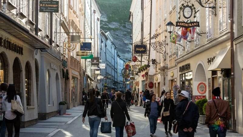 Salzburg konaklama Altstadt Eski Kent oteleri
