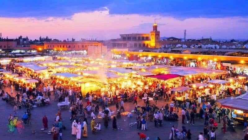 marakeş gezilecek yerler Jemaa el-Fnaa Meydanı