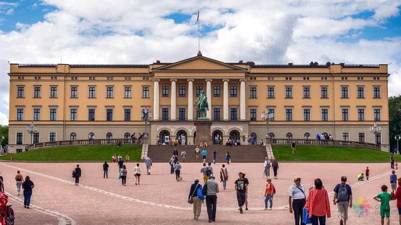 Royal Palace Oslo'da görülecek yerler