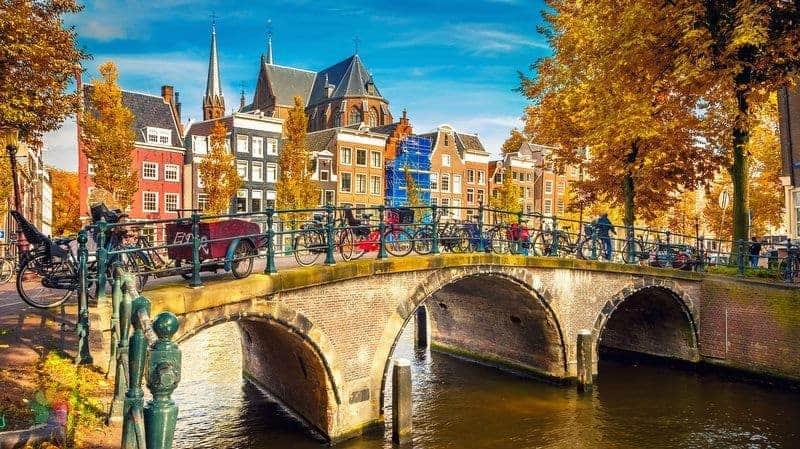 hollanda gezilecek yerler Amsterdam