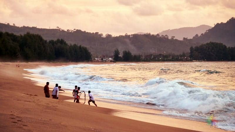 Phuket'te nerede kalınır Mai Khao Beach