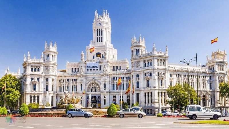 Madrid'de nerede kalınır Paseo delarte