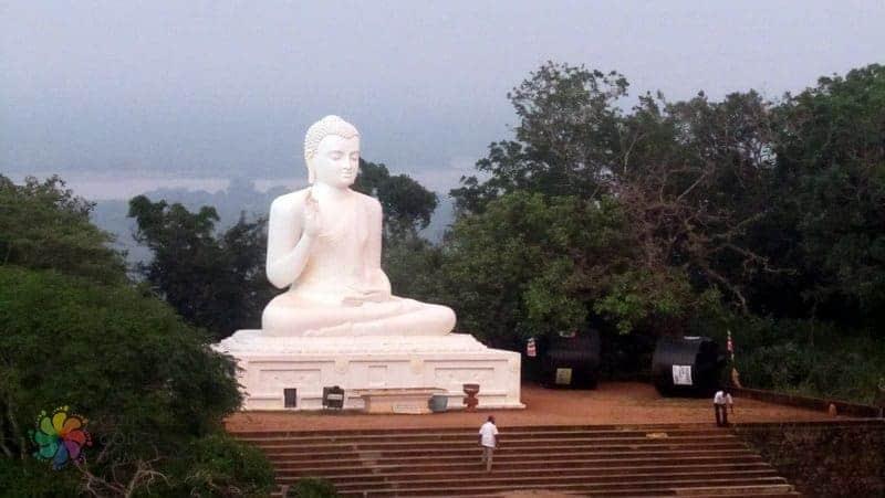 Sri Lanka'da gezilecek yerler -Mihintale-Oturan-Buddha