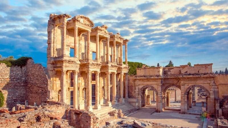 Selçuk Efes Antik Kenti Ege'de gezilmesi gereken yerler
