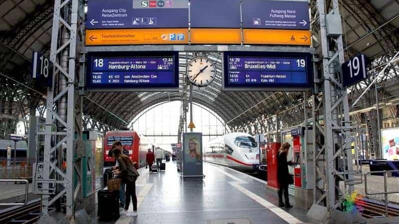 Frankfurt Tren İstasyonu Almanya