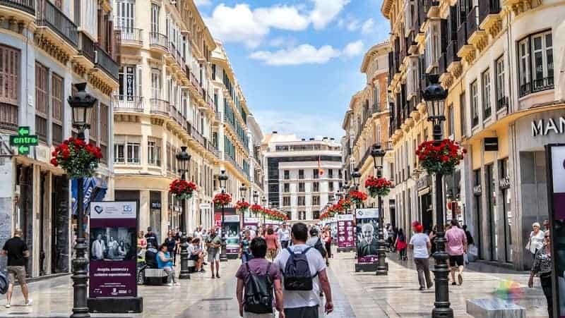 Malaga'da konaklama şehir merkezi Calle Larios ve Çevresi