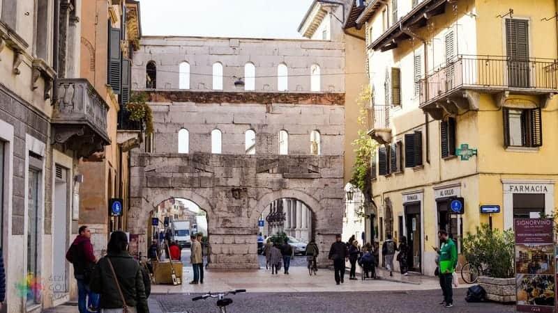 Porta Borsari Verona gezilecek yerler