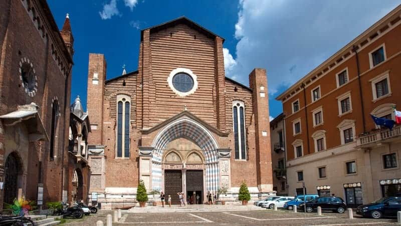 Santa Anastasia Verona gezilecek yerler