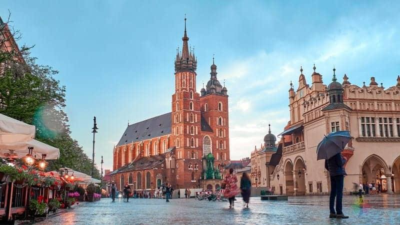 St Mary's Basilica Krakow'da gezilecek yerler
