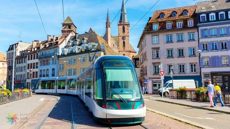 Strazburg'da nerede kalınır havaalanı ulaşımı şehir içi ulaşm