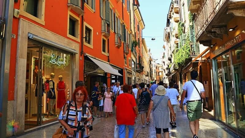 Via Mazzini Verona gezisi