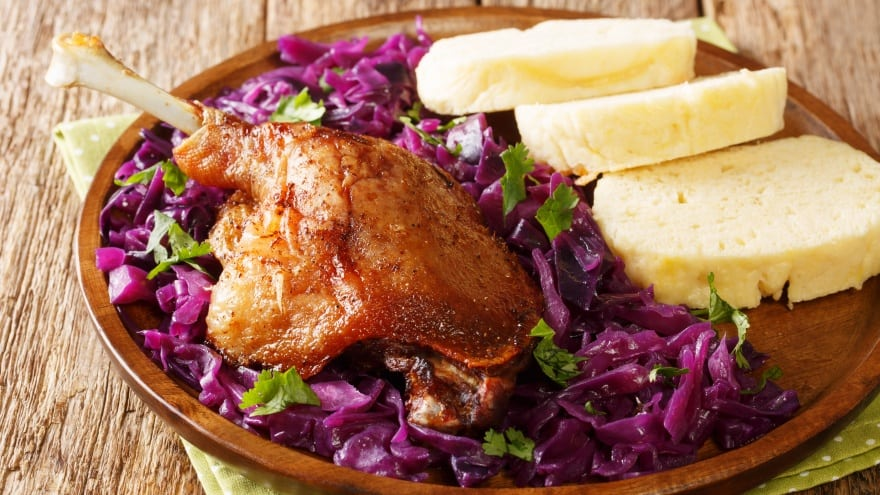 Prag meşhur yemek Pecena Kachna