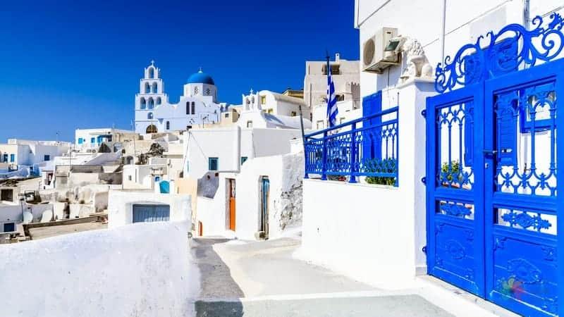 Santorini gezilecek yerler Pyrgos