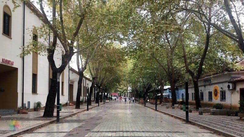 tiran gezilecek yerler Rruga Murat Toptani Caddesi