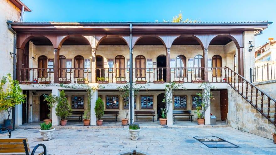 Gaziantep Mevlevihanesi Vakıf Müzesi Gaziantep'te gezilecek yerler