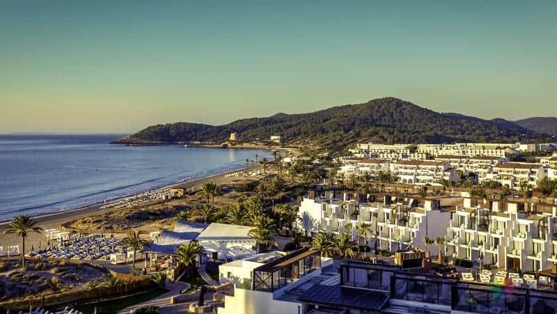 Playa d'en Bossa ibiza'da gezilecek yerler