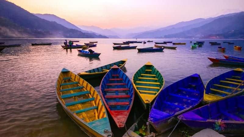 Tek başına Nepal turu Phewa lake