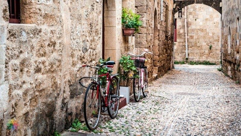 rodos'ta nerede kalınır şehir içi ulaşım araçları