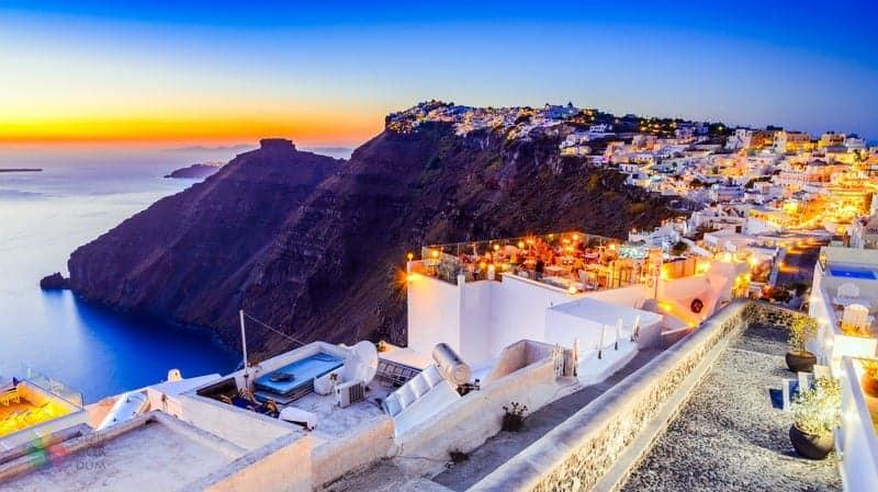 Santorini'de nerede kalınır Firostefani bölgesi