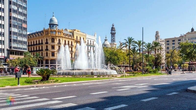 Plaza del Ayuntamiento Valencia'da nereler görülmeli