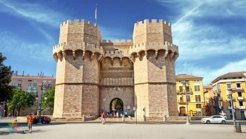 Torres de Serranos Valencia turu