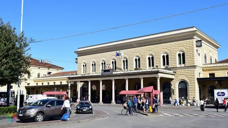 Bologna tren istasyonu otel tavsiyesi
