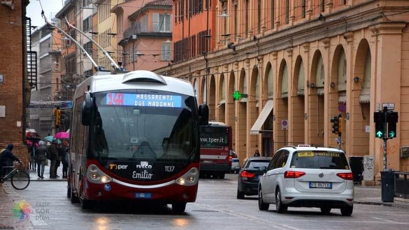 Bologna'da nerede kalınır şehir içi ulaşım araçları