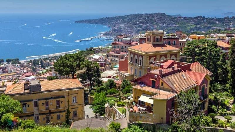 Vomero otelleri Napoli'de nerede kalmalı