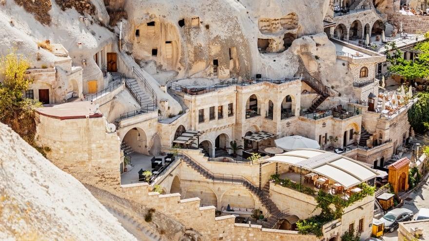 Kapadokya gezilecek yerler boyunca konaklama