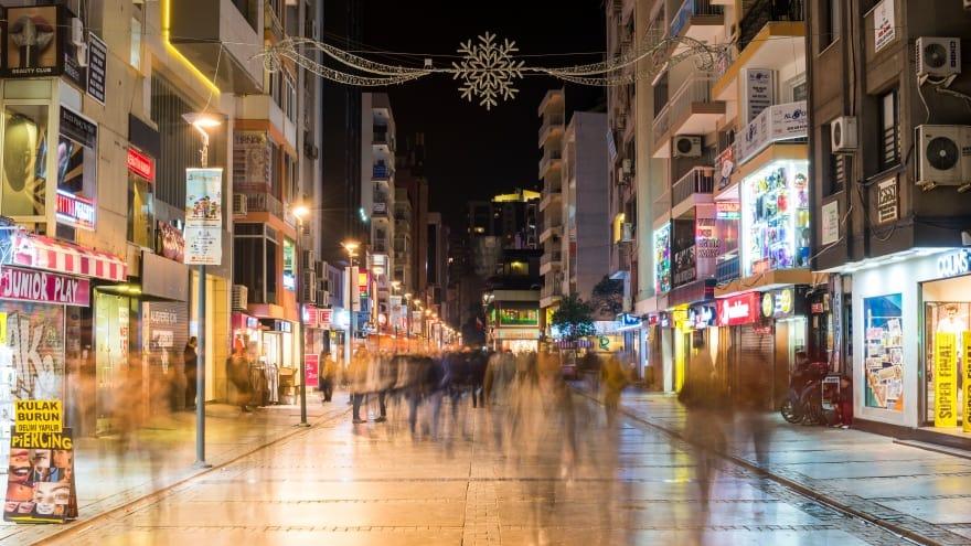 Kıbrıs Şehitleri Caddesi İzmir gezilecek yerler