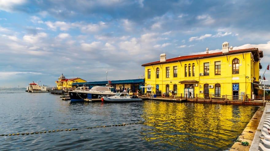 İzmir hakkında bilgiler Pasaport Vapur iskelesi