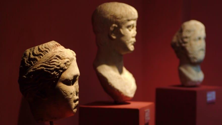 İzmir'de gezilecek yerler izmir arkeoloji müzesi