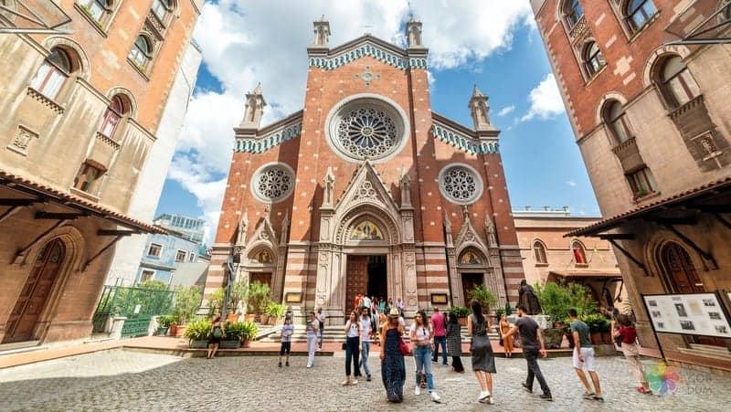 St Antuan Kilisesi istanbul gezi rehberi