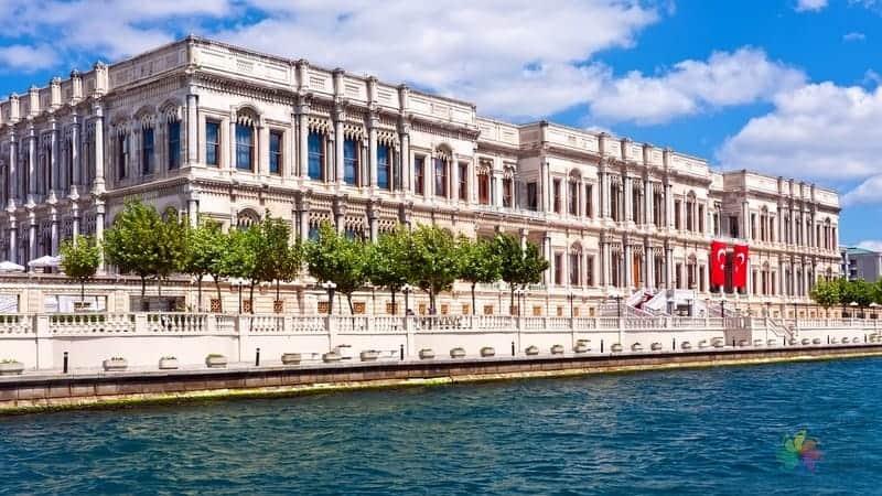 Çırağan Sarayı istanbul'da nereler gezilmeli