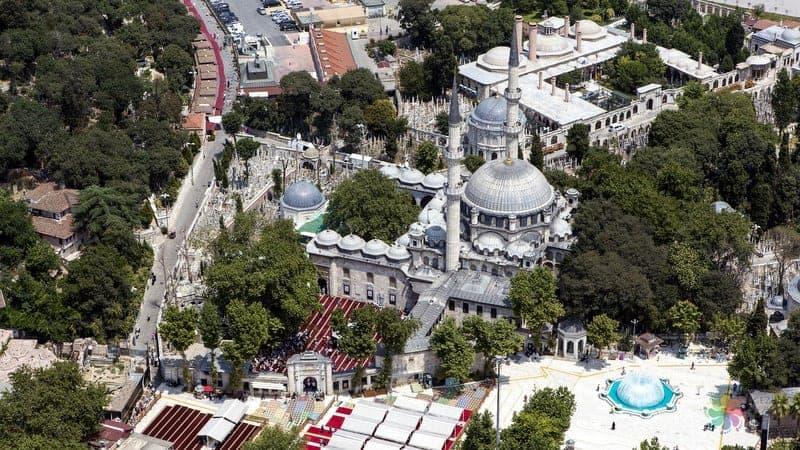 eyüp sultan camii türbesi istanbul gezilecek yerler