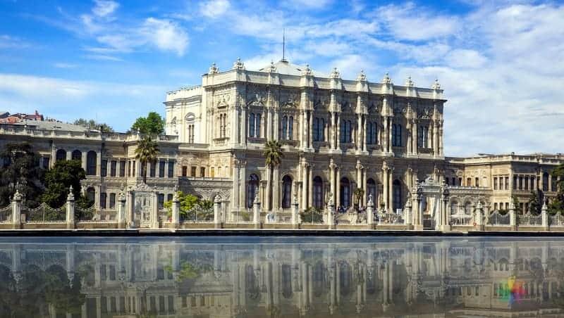 dolmabahçe sarayı istanbul'da gezilmesi gereken yerler