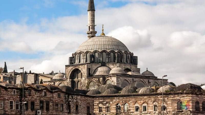 rüstem paşa camii istanbul gezilecek yerler