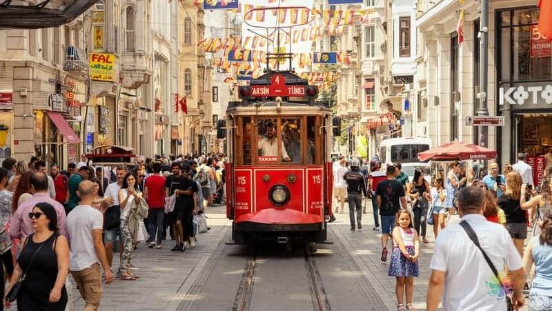 taksim istiklal caddesi istanbul gezi rehberi