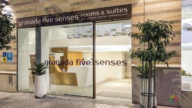 Granda'da nerede kalınır merkezi otel tavsiyesi