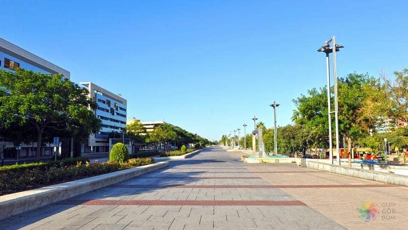 Cordoba'da konaklama yapılacak bölgeler, tren istasyonu ve çevresi