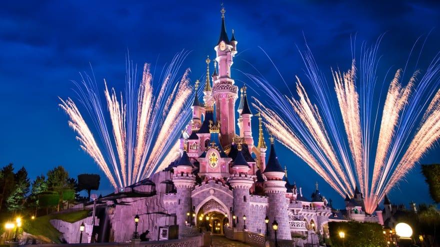 Disneyland Paris ziyaret saatleri