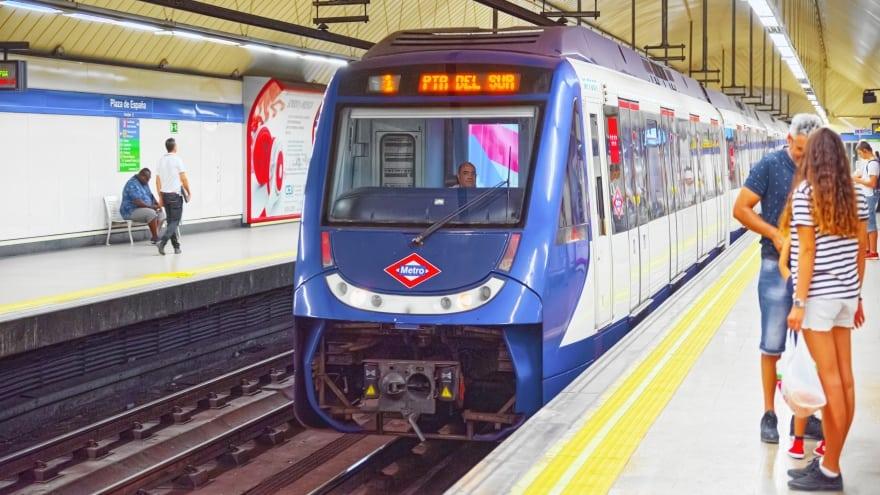 Madrid Havaalanı Metro